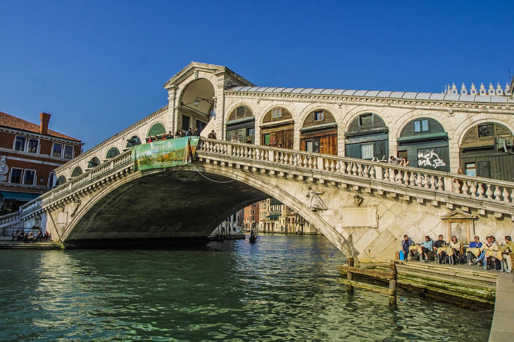 Rialtobrücke Venedig, Ohne Touristen, Lagune, Frühling, Venice, WithoutTourists, Springtime, City, Sea, Water, Historical, Old Town Arch Bridge - Man Made Structure Large Group Of People Outdoors Travel Destinations Water