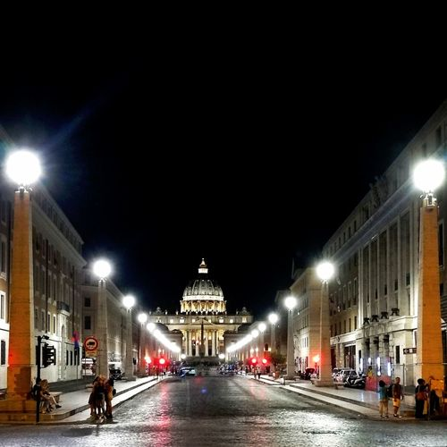 Night Illuminated SanPietro Roma City Street Light Viaconciliazione Nighttime Architecture Sky Outdoors Italy🇮🇹 Beautiful Day Wonderful Saintpeter VaticanCity Summer In Rome Night Lights Night Out Nightscape Night Time In Rome