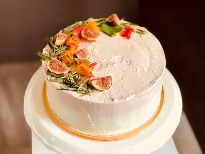 Flake: Floral Cake Icing Cake Food Food And Drink Ready-to-eat Freshness Sweet Food Temptation Sweet Dessert Indulgence Fruit Plate Garnish The Fashion Photographer - 2018 EyeEm Awards