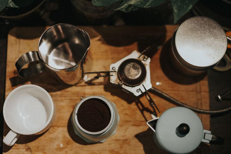 Preparation of coffee making using mocha pot.