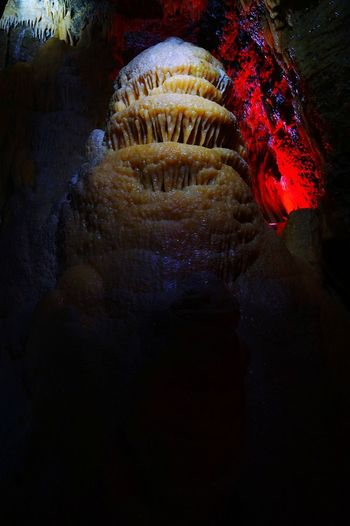 Unterworld Stalactites Stalactites And Stalagmites Stalactites Capitals Color Explosion The Rock Tropfsteinhöhle Stalactite Cave Color Photography Cave Stalagmites Unterworld Astronomy Close-up Stalactite  Natural Arch