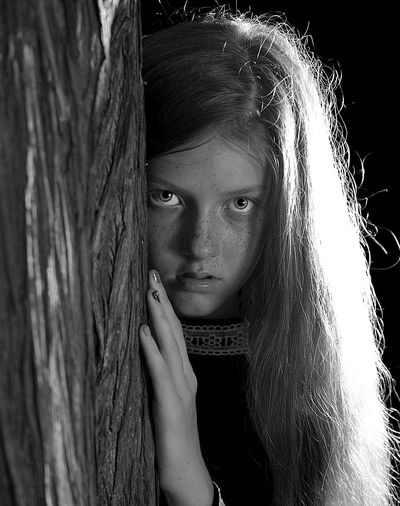 WITCH Witch Witchcraft  Face Long Hair Moonlight Hiding Looking At Camera Behind The Tree Portrait Photography Portrait Of A Woman Blackandwhite Portrait Young Women Human Face Beautiful Woman Mystery Beauty Close-up Eyeball Human Eye Pretty Vampire Eye Vision Eyesight The Portraitist - 2019 EyeEm Awards My Best Photo