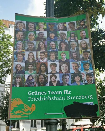 There's no Team Green in Pokemon Go. Make of that What You Will... Es gibt kein Team Grün in pokemon go...