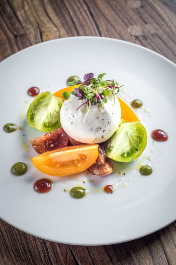 Food And Drink Herb Meal Temptation Burrata Food Foodphotography Fresh Freshness Garnish Healthy Indoors  Indulgence Meal Mozzarella No People Organic Plate Ready-to-eat Salad Serving Size Still Life Tabletop Tomato Yummy