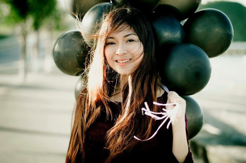 https://www.instagram.com/ynonsia Girl Relaxing Happy Balloons Sunset Golden Hour The Week Of Eyeem EyeEm Check This Out Looking At Camera Portrait Young Women Long Hair EyeEm Gallery Aesthetics Beauty Showcase July