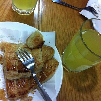 Turkcell de mesai oncesi Istiklal Hammurabi de mis gibi Börek keyfi ayrica Limonata cake food instafood taksim istanbul yemek
