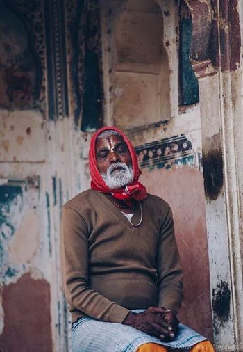 Real People One Man Only Incredible India Jaipur Sadhu Of India Close-up Peaceful EyeEmNewHere Check This Out HumansOfIndia People Priests Share My Thoughts Roadtrip Gypsytravel The Culture Of The Holidays