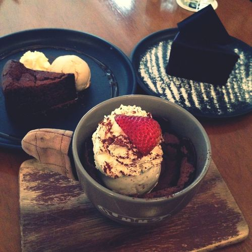 Delicious desserts at Spring & Summer bkk? Eating Dessert