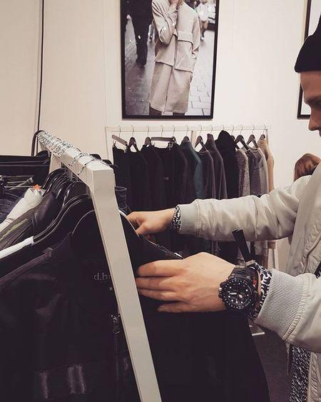 d.brand Swedish Streetfashion brand Dbrand Fashionweek @revolvertradeshow Danmark Samsungsverige Gshocknordic Tattingerchampagne Halebop Samsungview