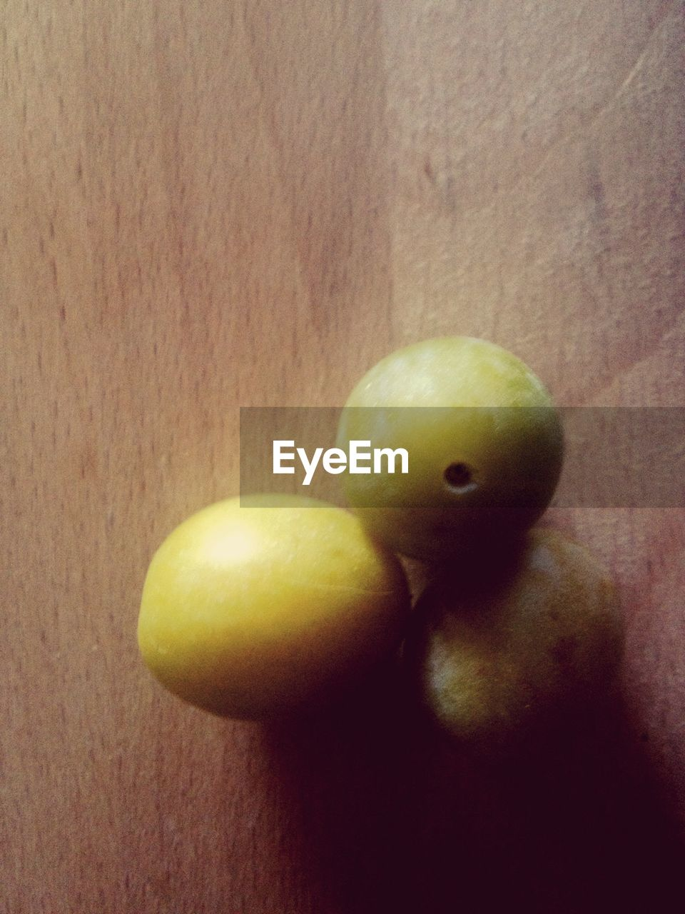 fruit, food, food and drink, close-up, indoors, healthy eating, yellow, no people, table, day, freshness