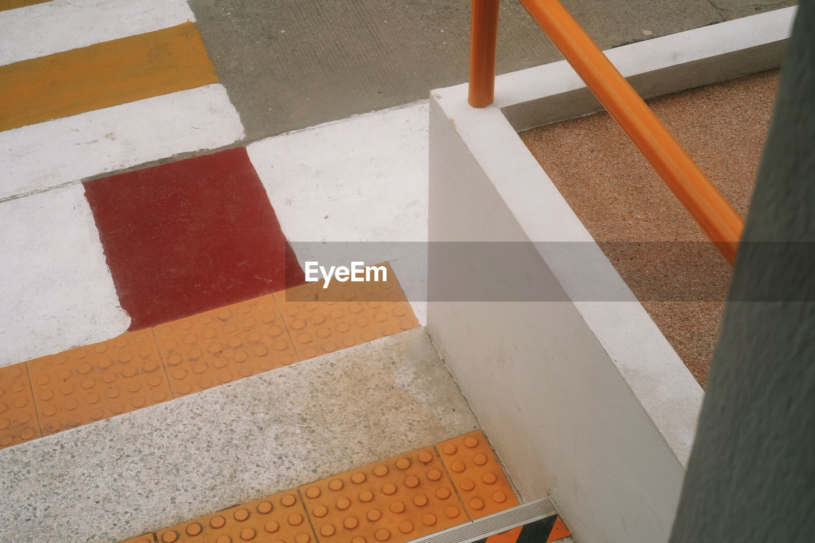HIGH ANGLE VIEW OF RAILING ON STEPS