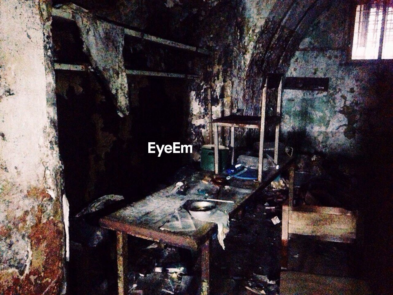 abandoned, damaged, old, indoors, bad condition, run-down, weathered, no people, rusty, old ruin, domestic room, day