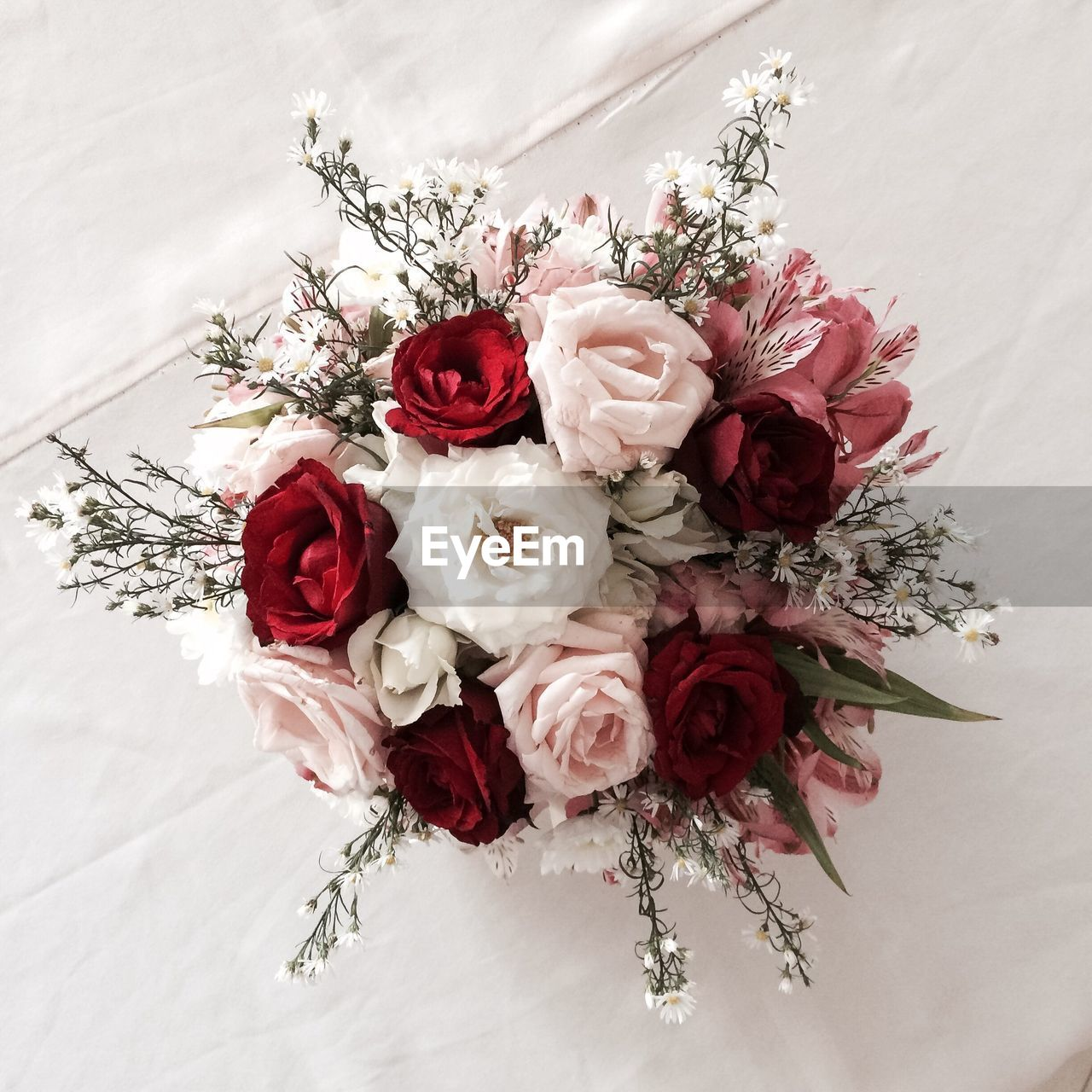 Directly above shot of rose bouquet on table