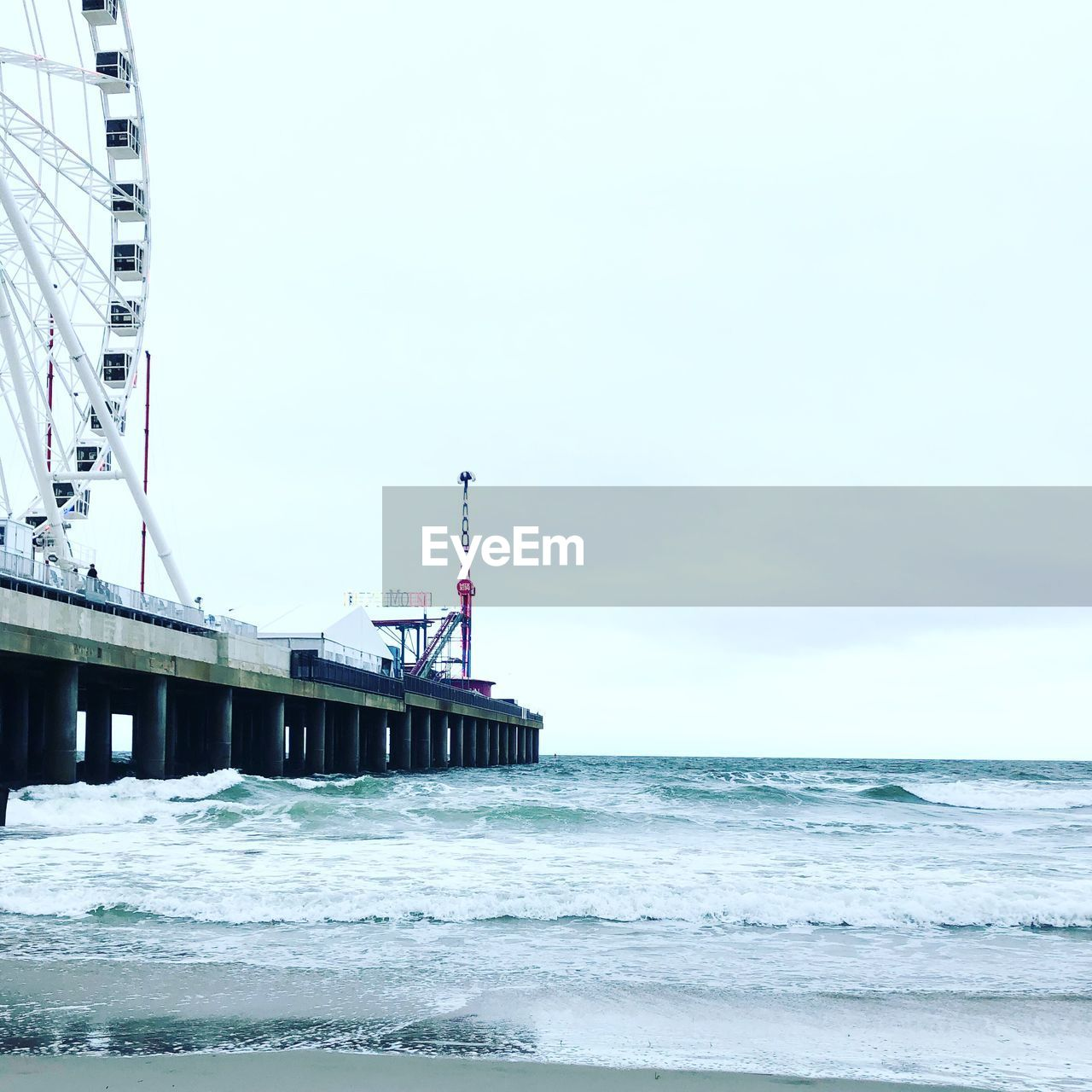 water, sea, sky, built structure, architecture, nature, motion, wave, no people, beach, day, horizon, land, horizon over water, copy space, waterfront, clear sky, scenics - nature, beauty in nature, outdoors