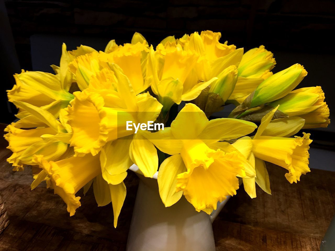 yellow, flowering plant, flower, vulnerability, beauty in nature, petal, fragility, freshness, plant, inflorescence, flower head, close-up, nature, daffodil, growth, no people, day, flower arrangement, indoors, pollen, bouquet