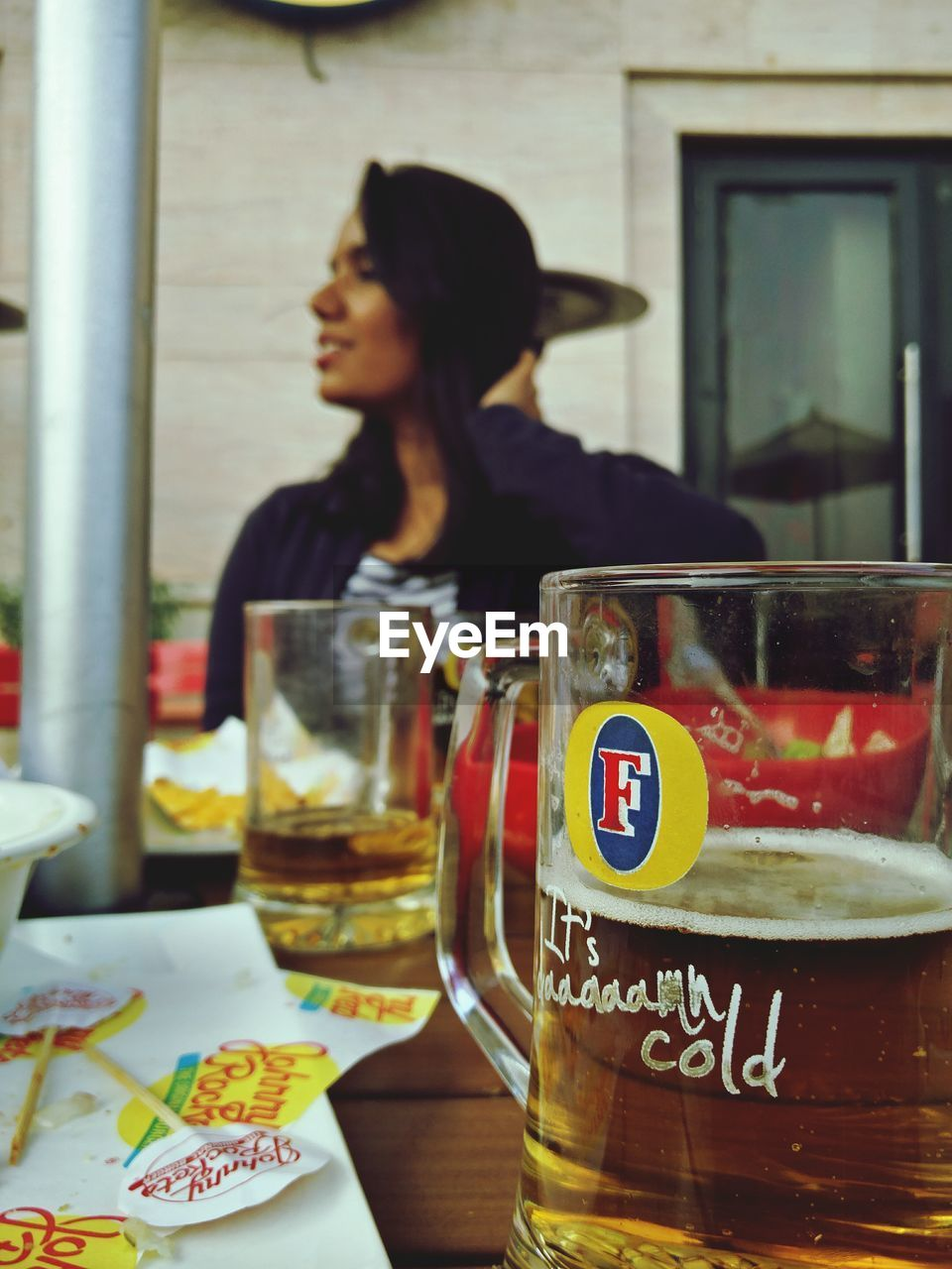 drink, real people, focus on foreground, refreshment, table, drinking glass, one person, indoors, lifestyles, day, close-up, freshness, people