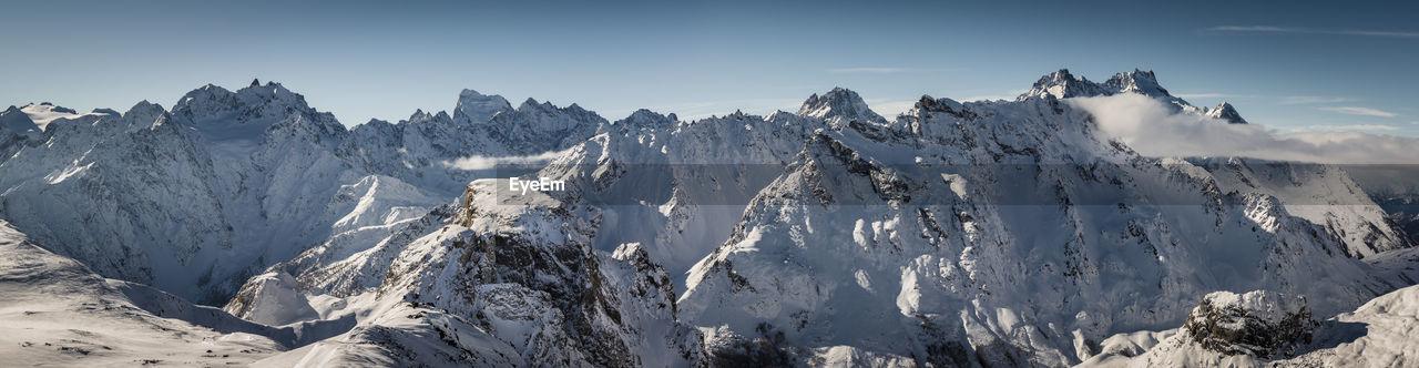 Panorama sur le parc national des ecrins, hautes alpes, france
