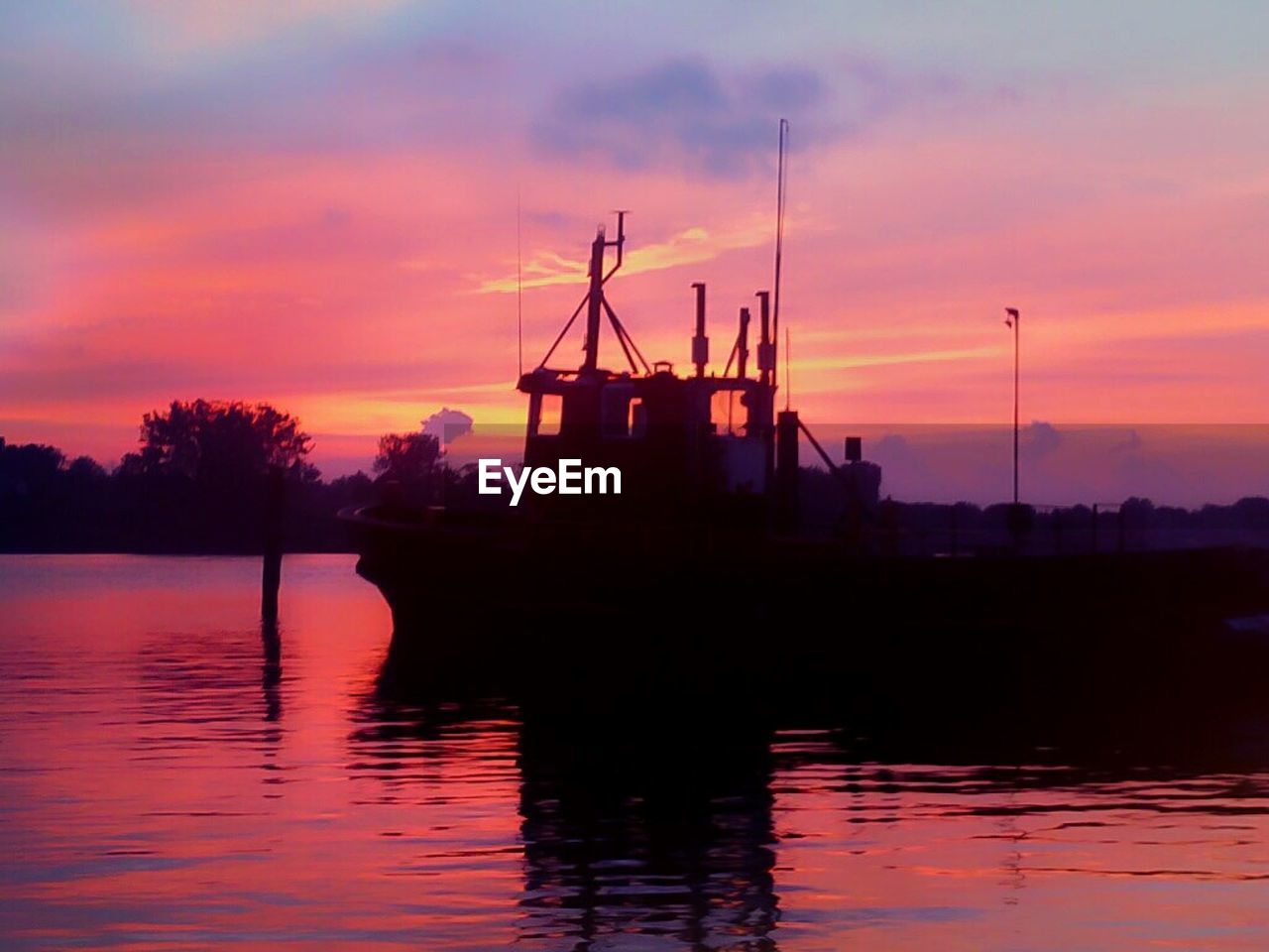 sunset, water, sky, nautical vessel, reflection, waterfront, cloud - sky, silhouette, nature, orange color, beauty in nature, tranquility, lake, no people, outdoors, scenics, dusk, transportation, moored, harbor, mast, night