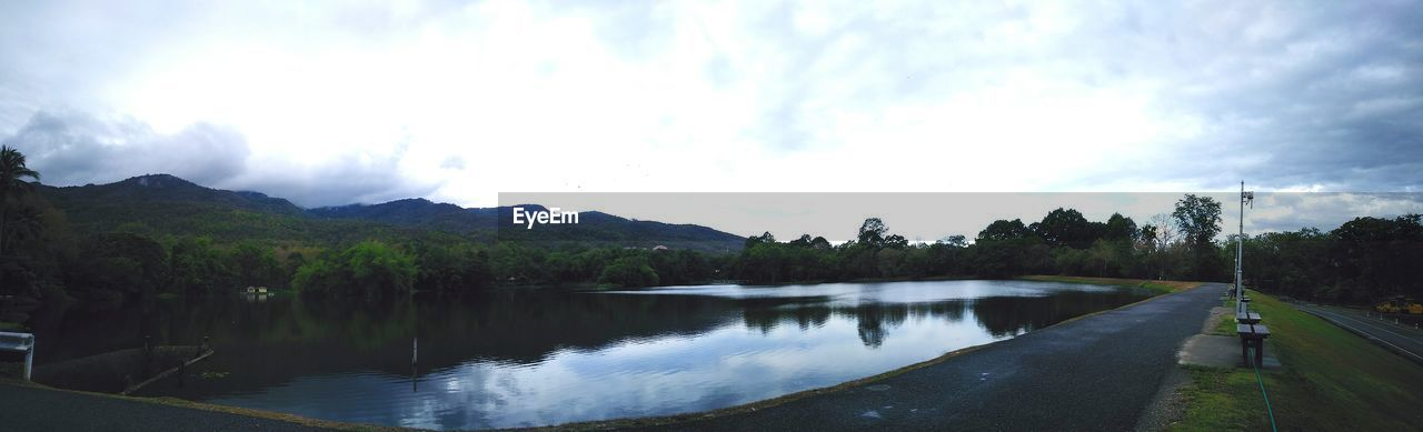 water, sky, nature, scenics, tranquility, cloud - sky, tranquil scene, beauty in nature, outdoors, tree, day, no people, lake, mountain