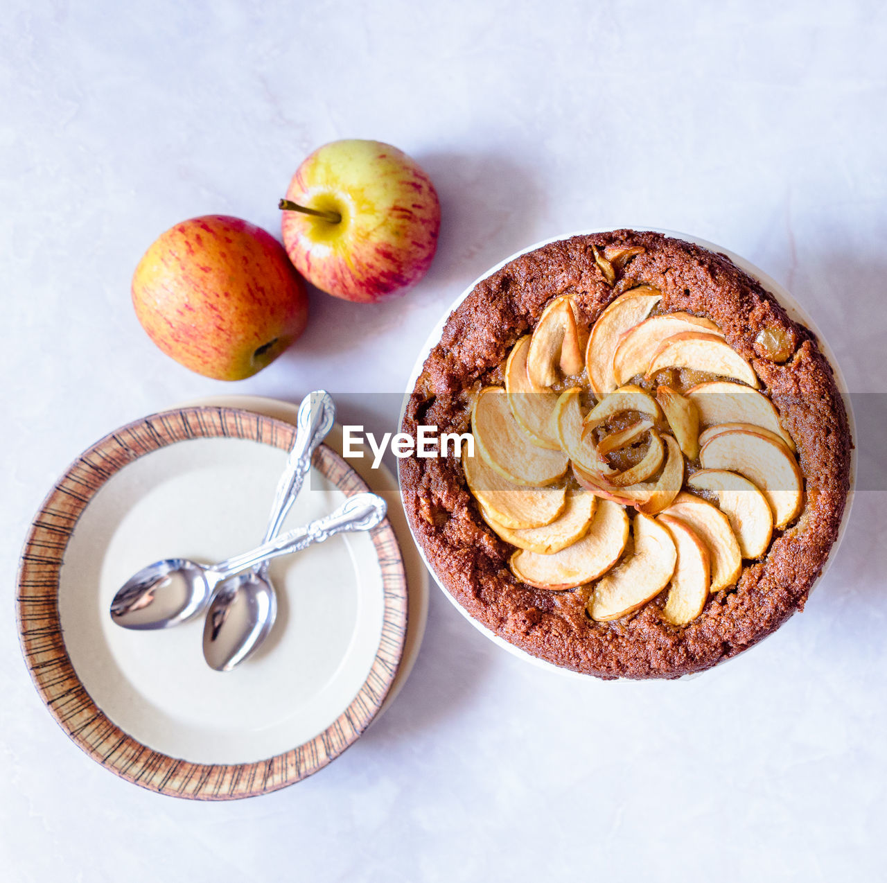 food and drink, table, food, plate, sweet food, fruit, high angle view, freshness, apple - fruit, directly above, cake, indoors, no people, temptation, healthy eating, dessert, ready-to-eat, apple pie, close-up, day