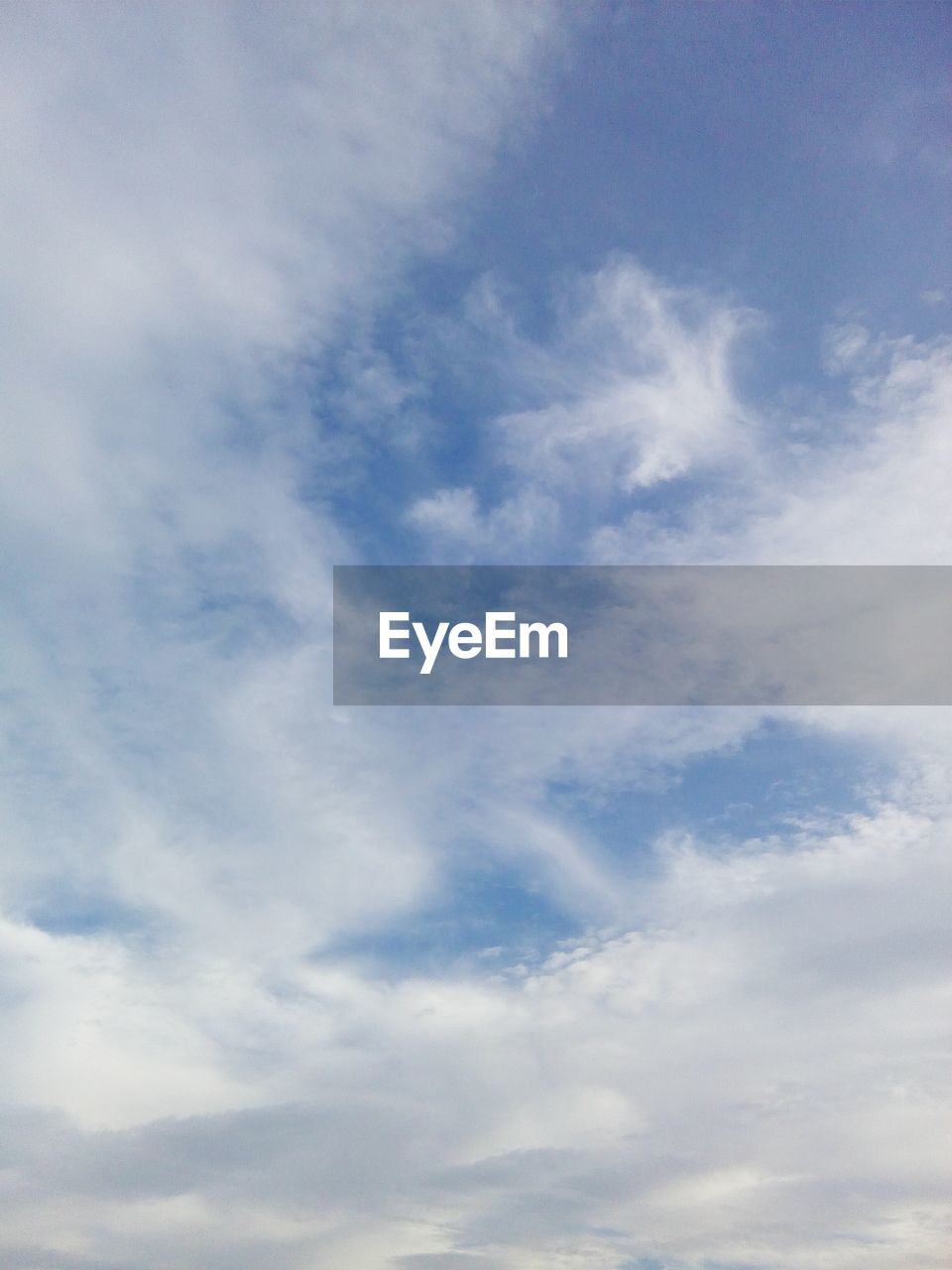 sky, cloud - sky, low angle view, beauty in nature, nature, sky only, tranquility, no people, day, scenics, backgrounds, outdoors, blue