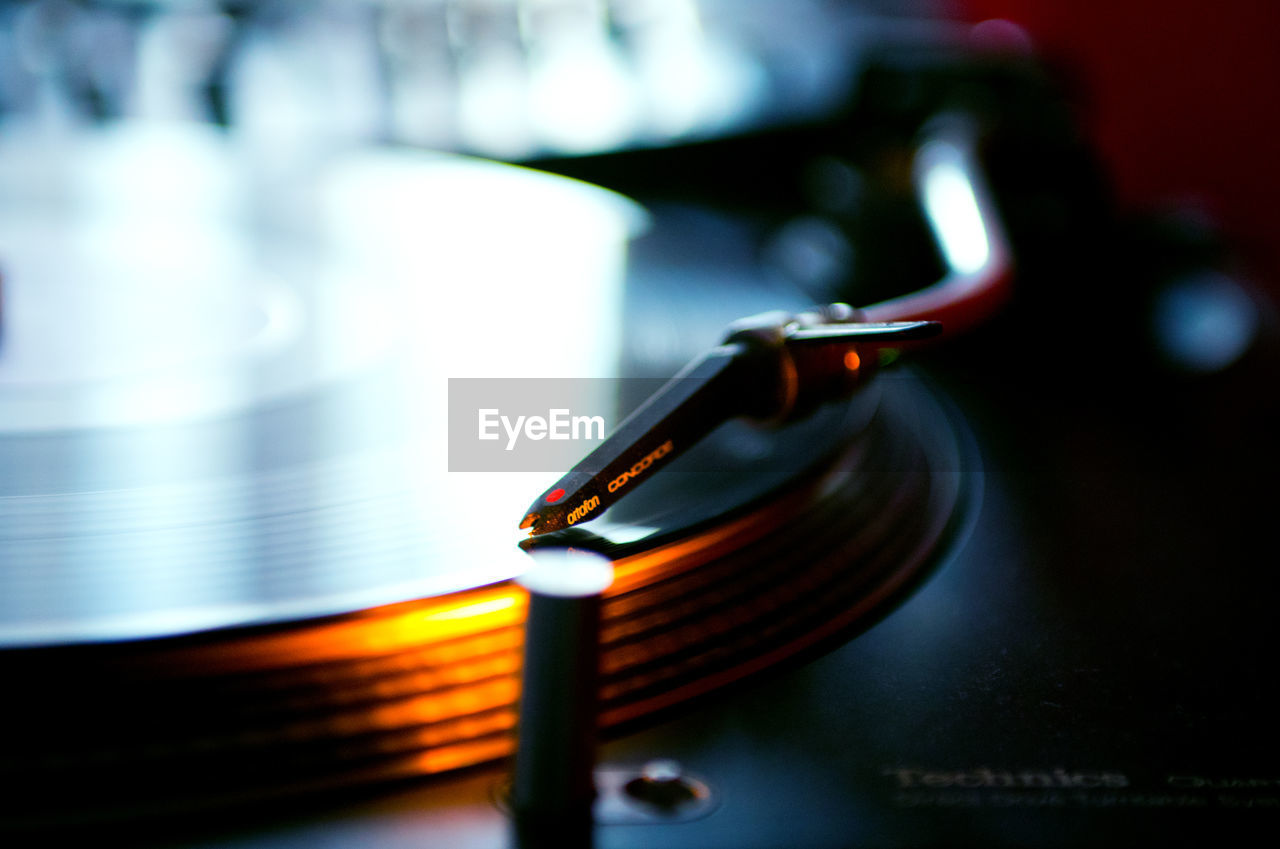 technology, indoors, no people, music, selective focus, close-up, old-fashioned, record player needle, day