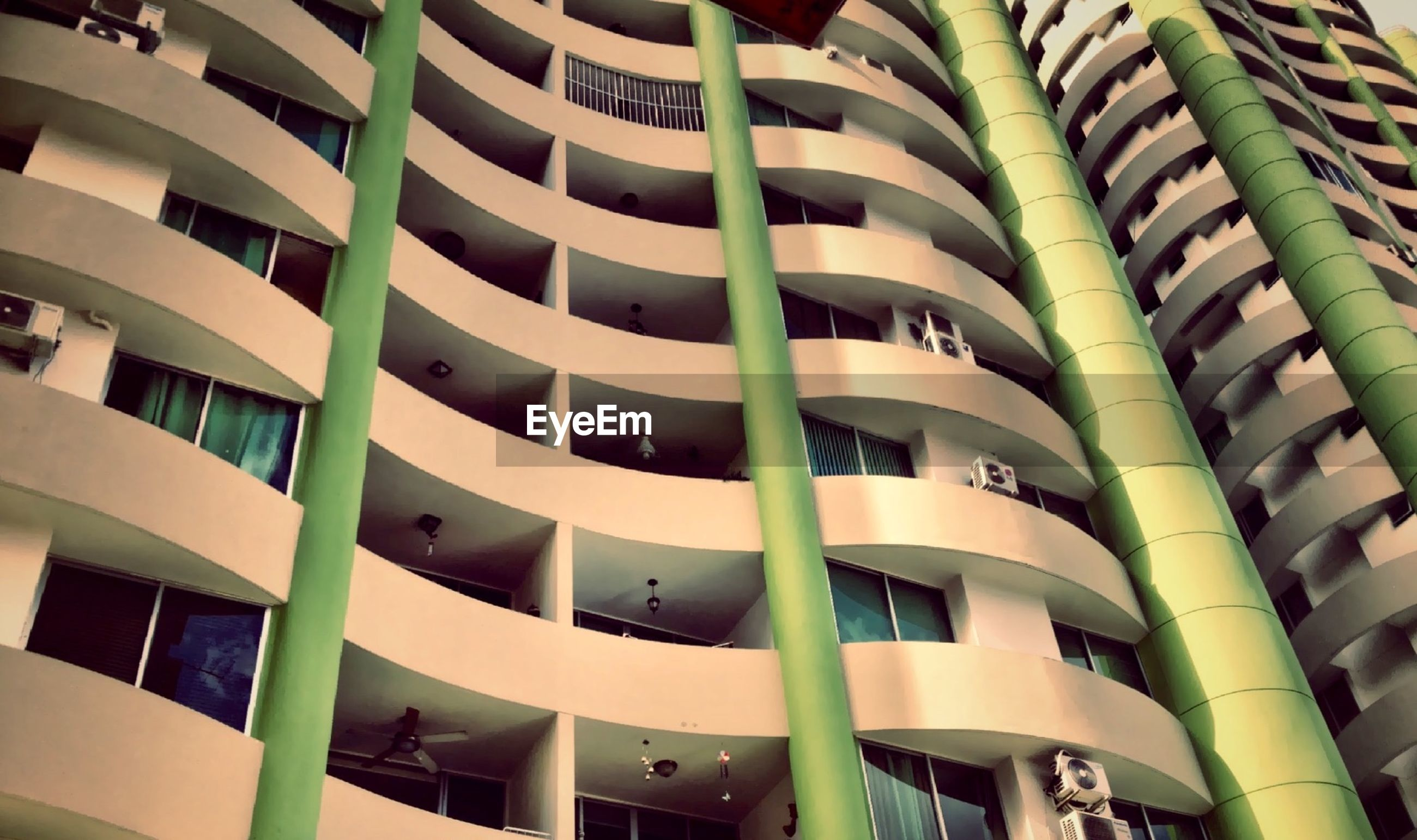 architecture, building exterior, built structure, low angle view, modern, building, city, window, office building, repetition, residential building, balcony, in a row, apartment, tall - high, full frame, day, no people, outdoors, backgrounds