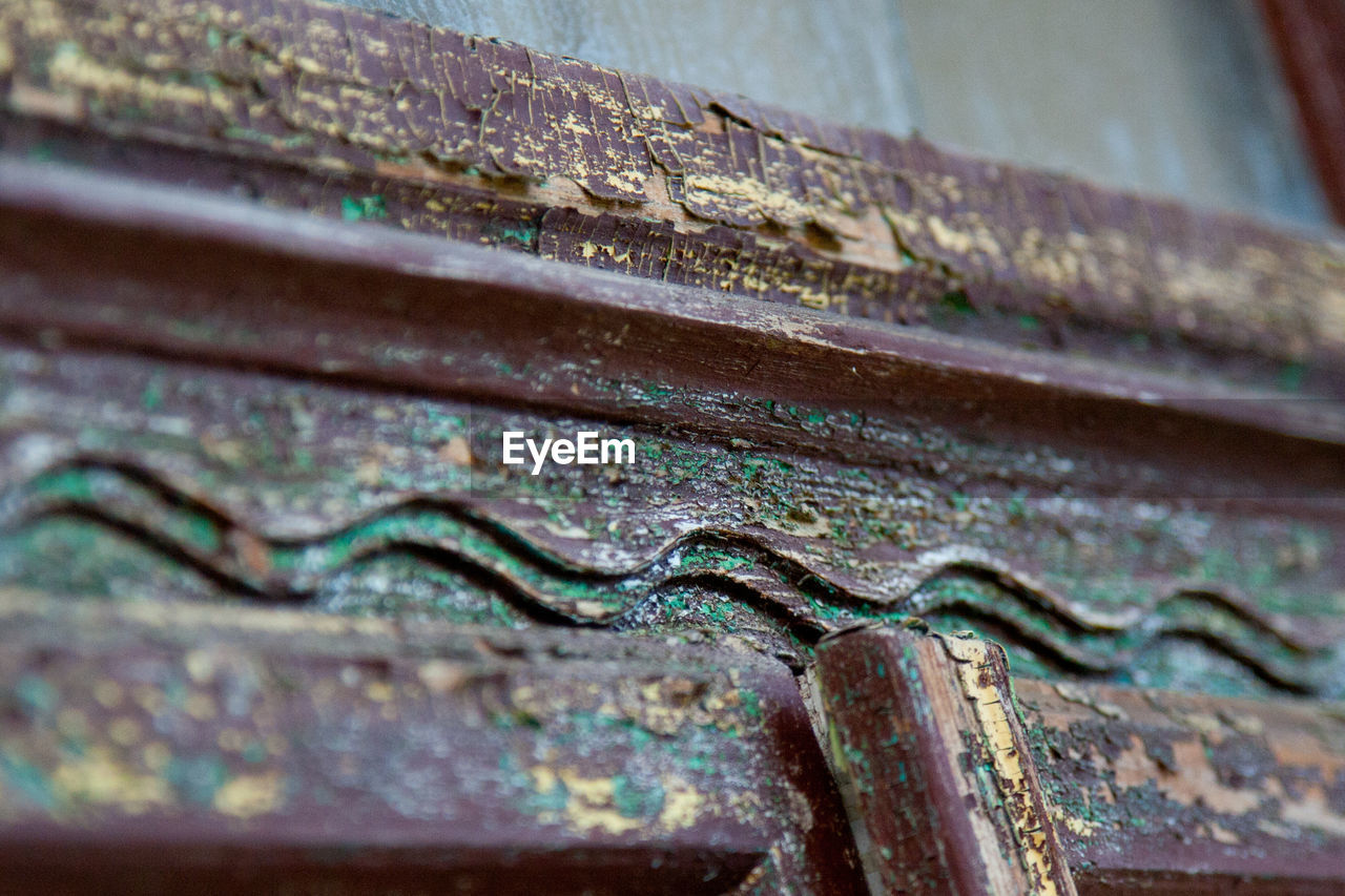 metal, close-up, no people, rusty, day, wood - material, outdoors, hinge, architecture