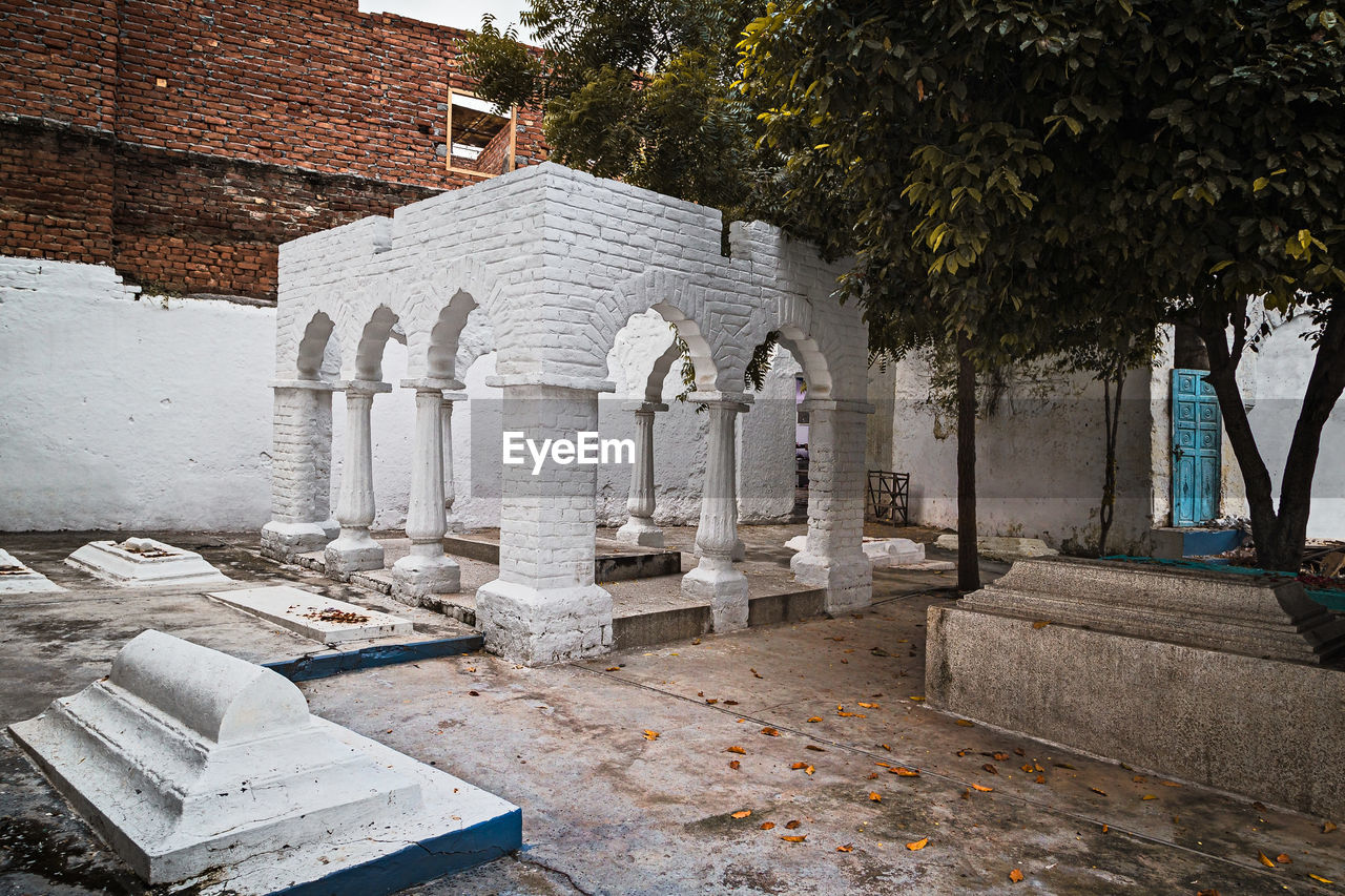 Exterior of a grave enclosure in a sufi shrine
