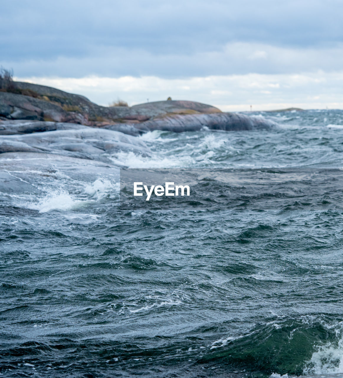 sea, water, waterfront, motion, sky, beauty in nature, scenics - nature, cloud - sky, wave, no people, day, nature, outdoors, sport, aquatic sport, splashing, power in nature, idyllic, non-urban scene, marine, flowing water