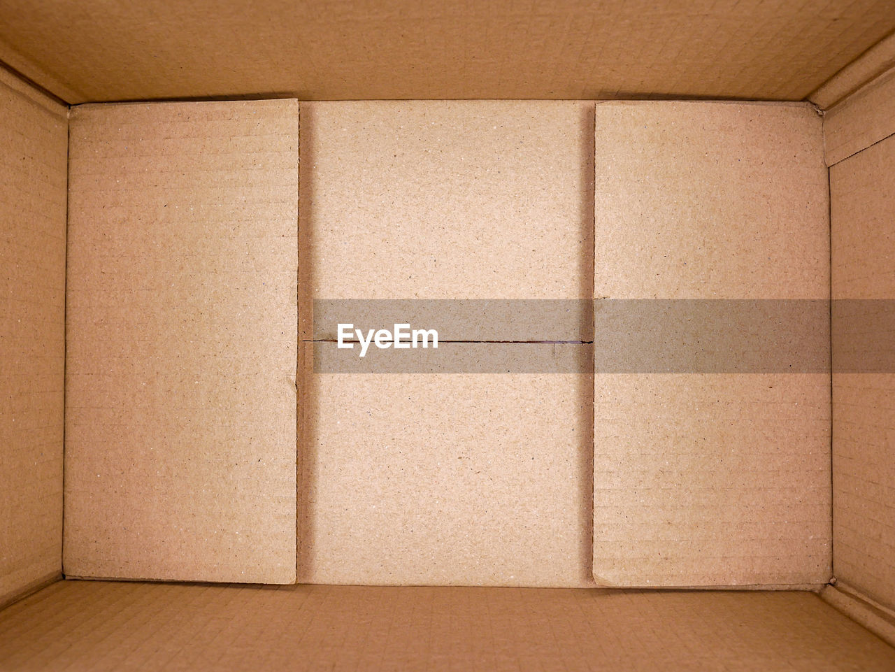 cardboard, box, cardboard box, brown, container, indoors, box - container, no people, paper, carton, backgrounds, architecture, domestic room, warehouse, close-up, full frame, man made object, pattern, man made, textured, package, blank