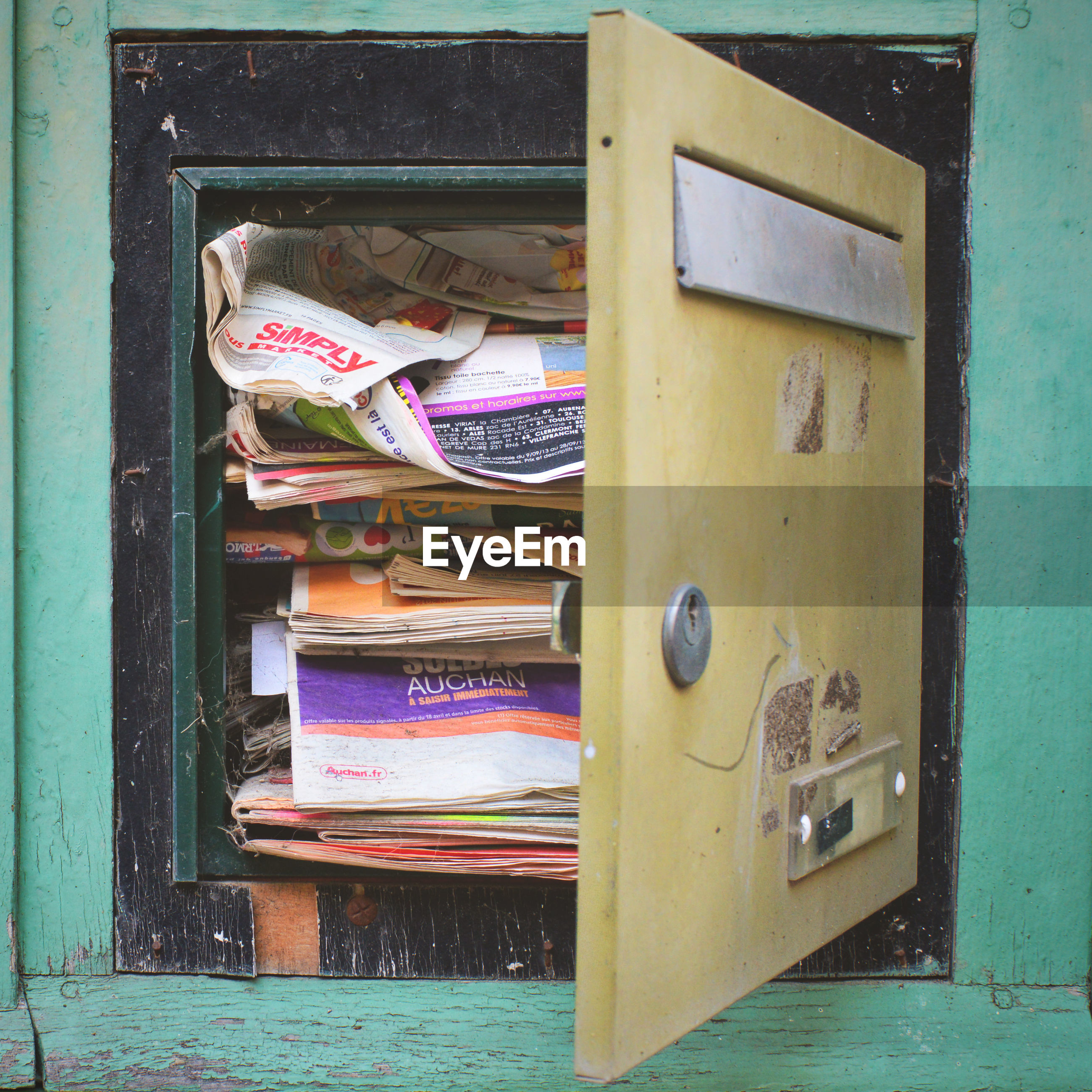 Paper and magazines in locker