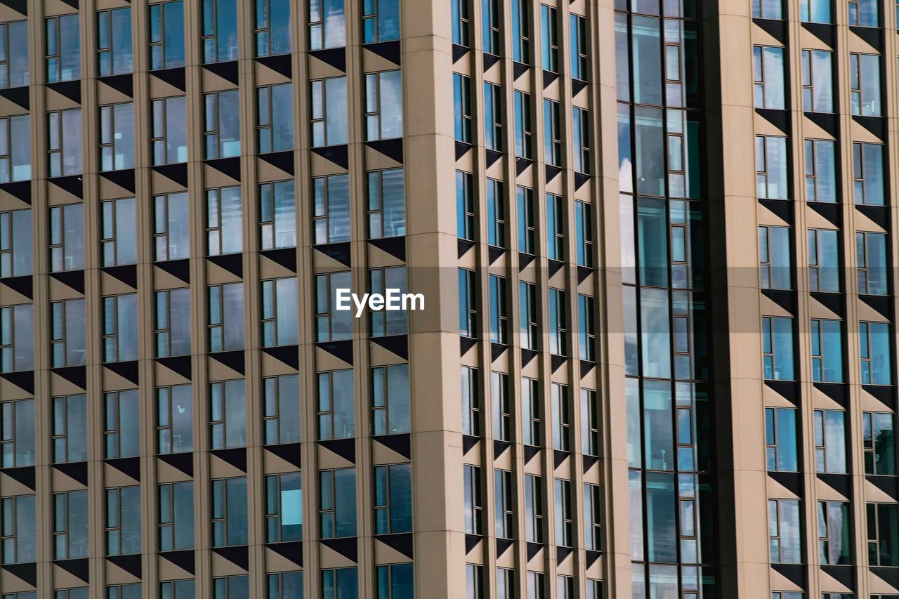 built structure, architecture, building exterior, window, building, full frame, pattern, office building exterior, no people, glass - material, modern, office, city, backgrounds, day, repetition, design, sunlight, in a row, outdoors, skyscraper, apartment