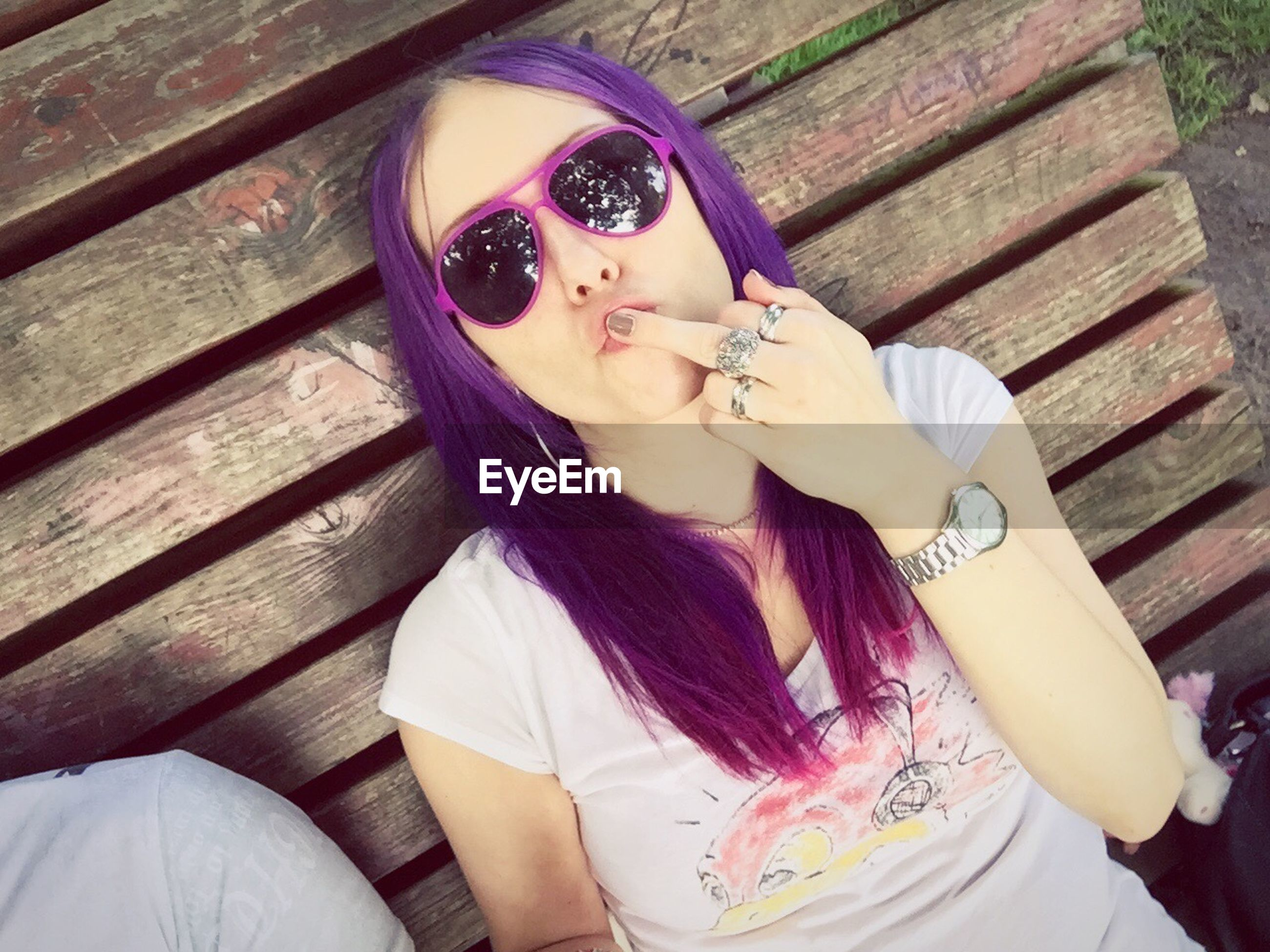 young adult, one person, dyed hair, young women, beautiful woman, lifestyles, outdoors, day, people