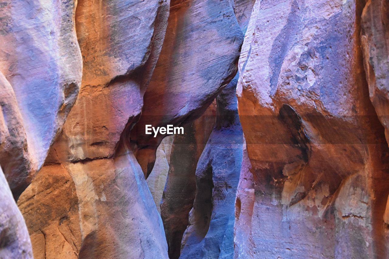 rock, rock - object, solid, rock formation, geology, no people, physical geography, pattern, nature, travel destinations, day, cave, indoors, travel, textured, non-urban scene, stalactite, eroded, beauty in nature, sandstone