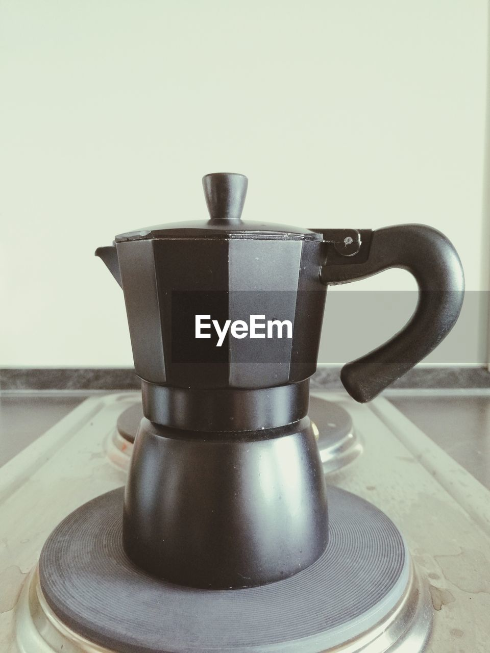coffee pot, coffee - drink, food and drink, no people, indoors, espresso maker, close-up, drink, day