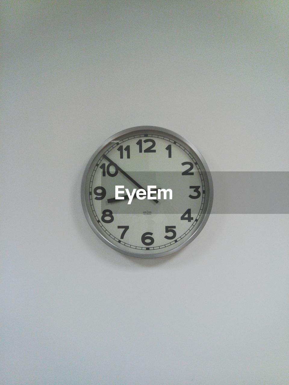 time, clock, indoors, minute hand, no people, clock face, old-fashioned, white background, hour hand, close-up, day
