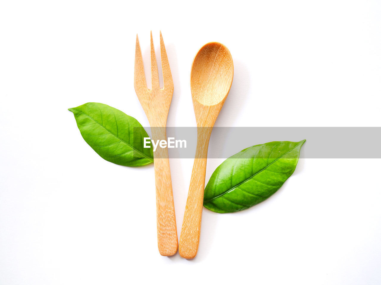 leaf, plant part, studio shot, white background, close-up, still life, indoors, freshness, no people, food, green color, cut out, nature, food and drink, orange color, healthy eating, wellbeing, plant, high angle view, eating utensil, leaves