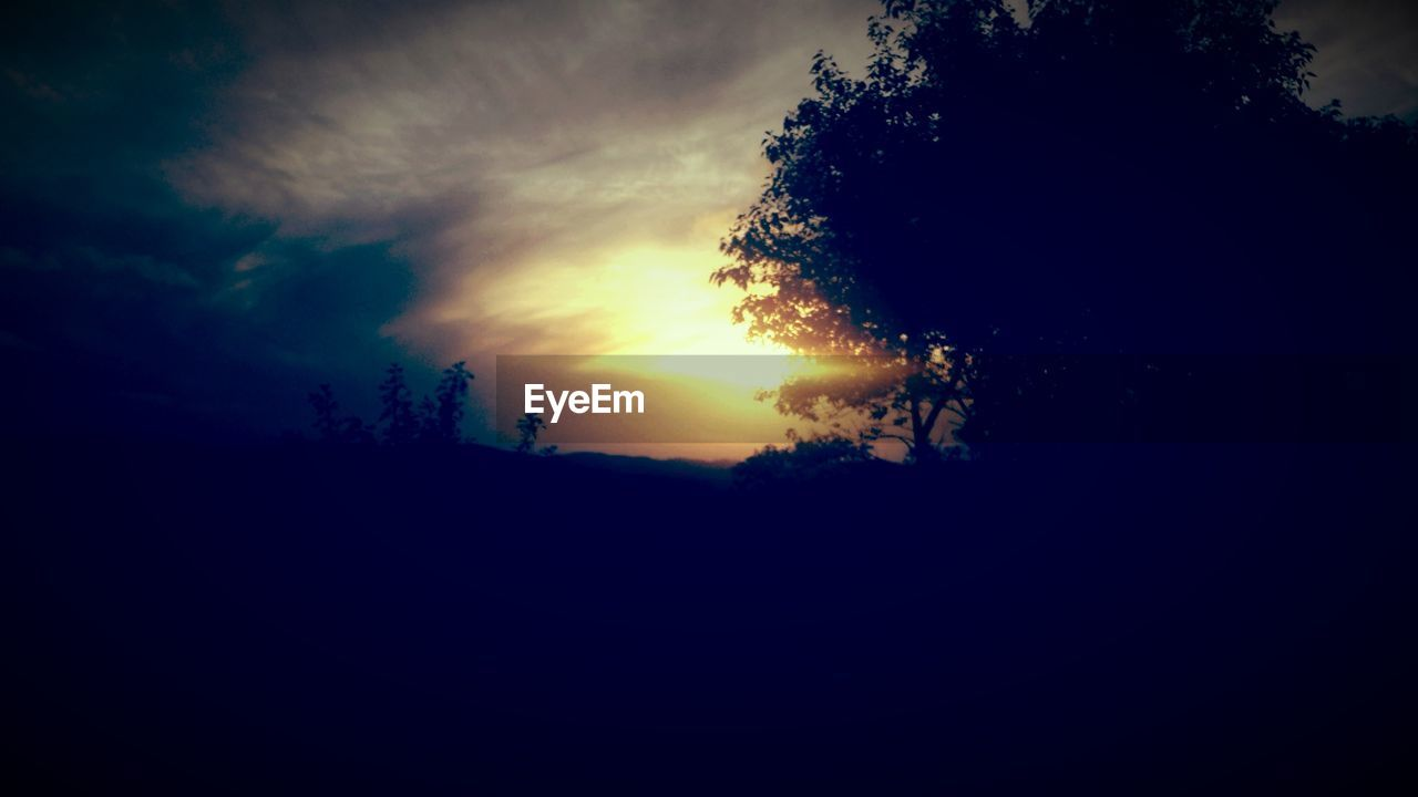 silhouette, sunset, nature, tranquil scene, sky, tranquility, tree, beauty in nature, scenics, no people, landscape, outdoors, day