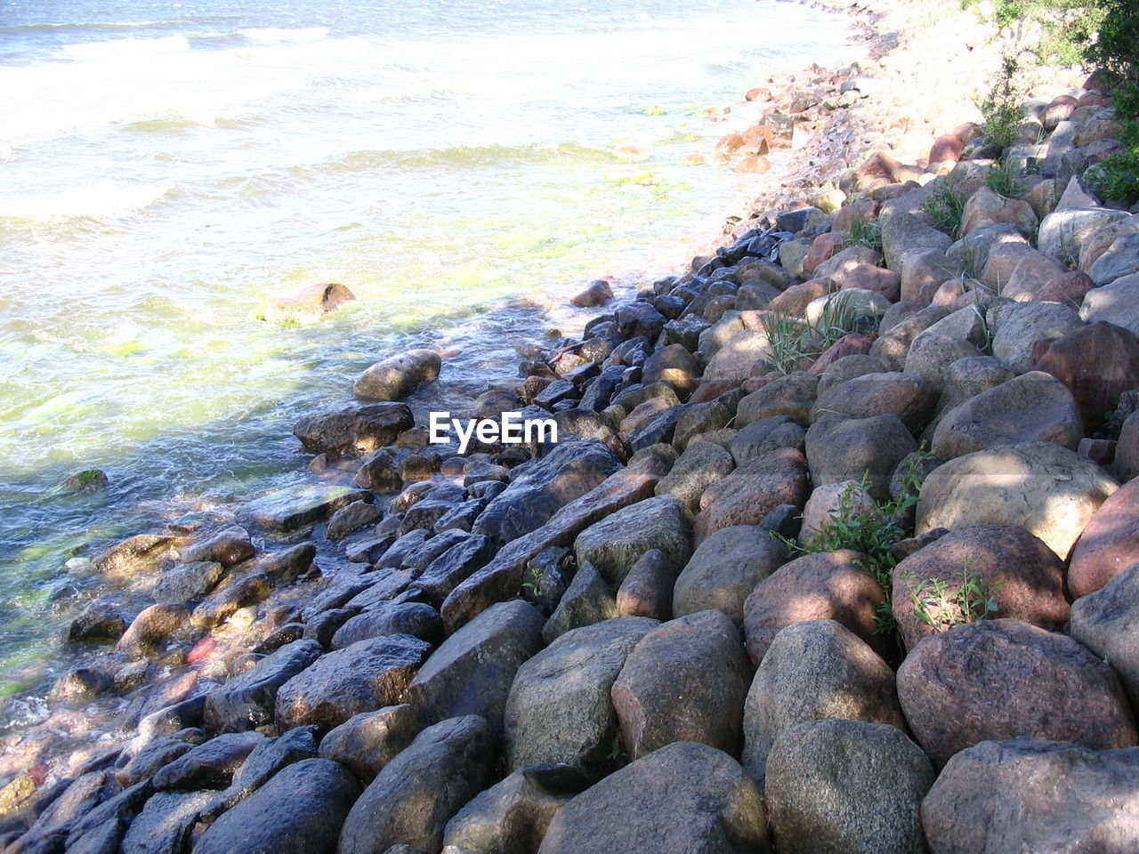 pebble, beach, sea, rock - object, water, no people, nature, pebble beach, day, outdoors, wave, beauty in nature