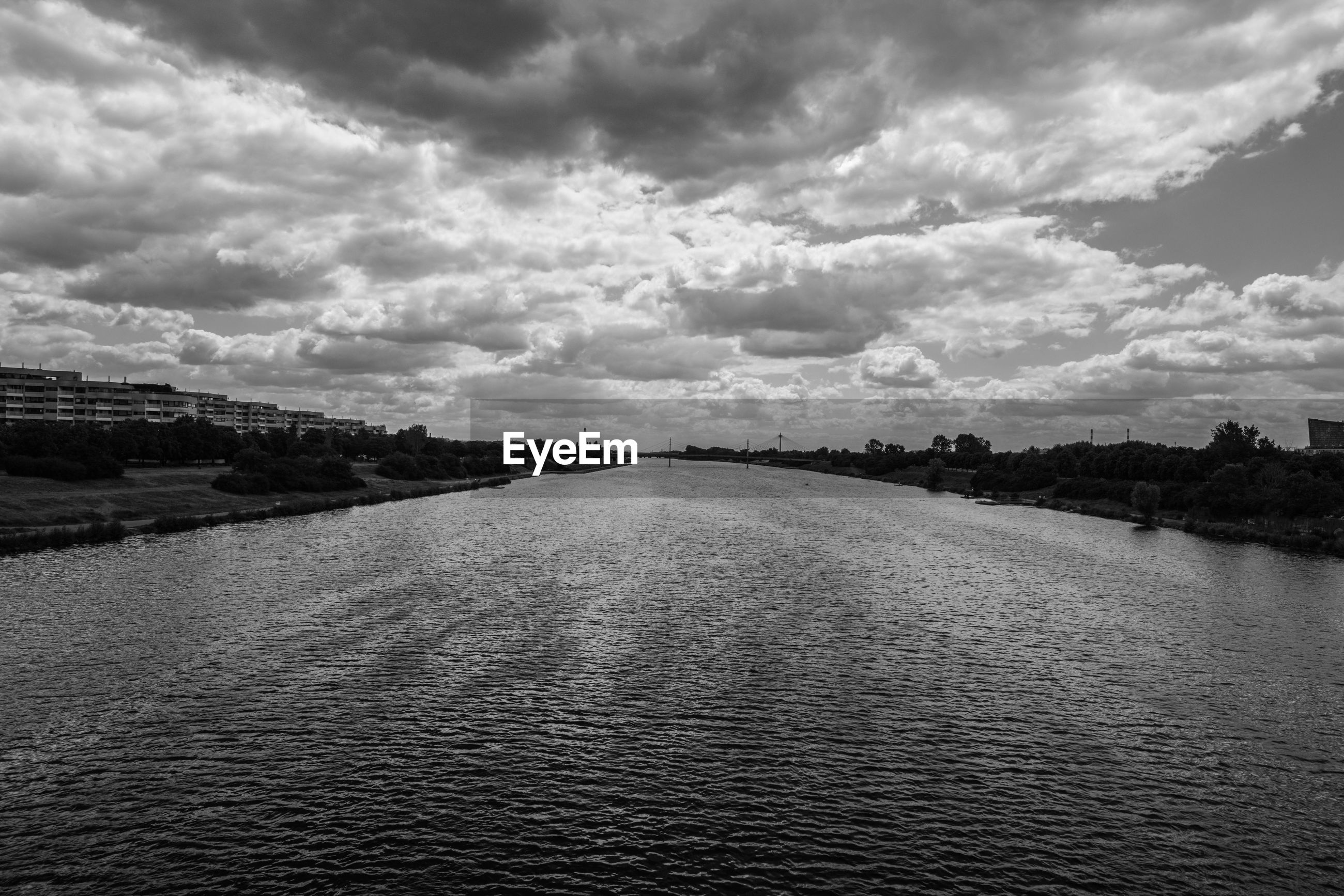 VIEW OF RIVER AGAINST SKY