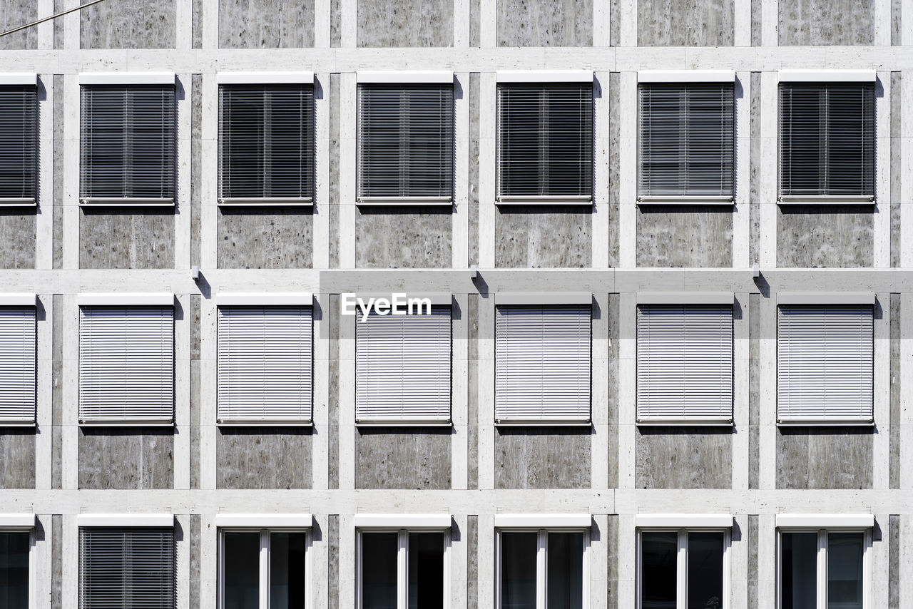 Full Frame Shot Of Building With Windows
