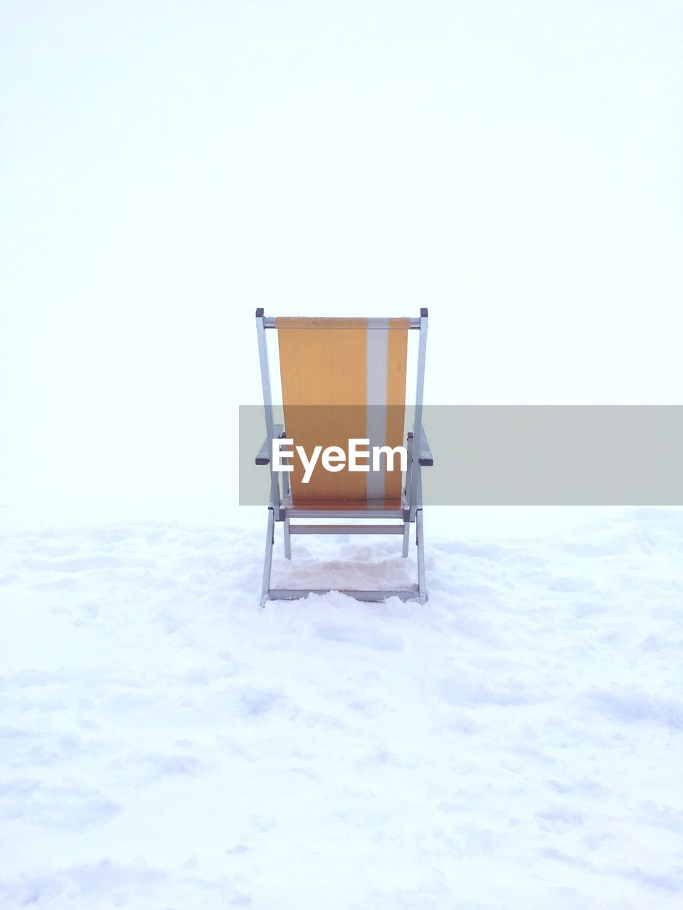 copy space, snow, no people, winter, white color, cold temperature, absence, chair, seat, empty, studio shot, nature, day, indoors, covering, land, sky, architecture