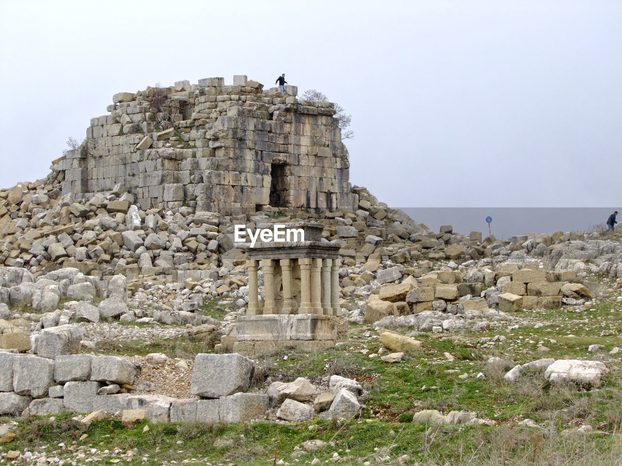 old ruin, architecture, ancient, history, built structure, ancient civilization, archaeology, building exterior, damaged, rock - object, day, outdoors, travel destinations, sky, no people, clear sky, animal themes, nature, bird