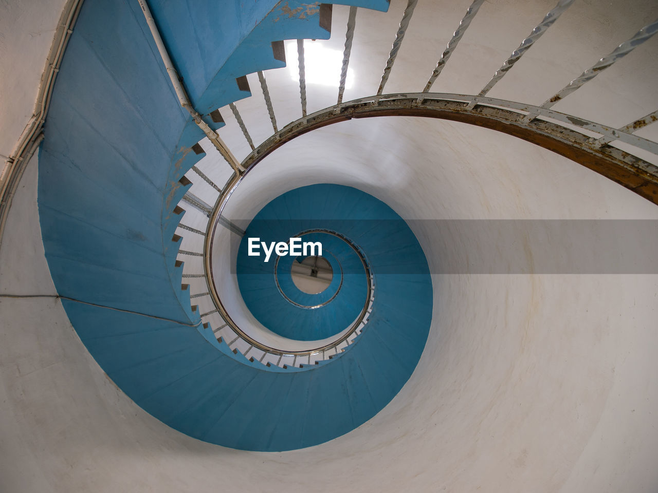 staircase, spiral, steps and staircases, steps, architecture, spiral stairs, built structure, railing, stairs, no people, hand rail, day