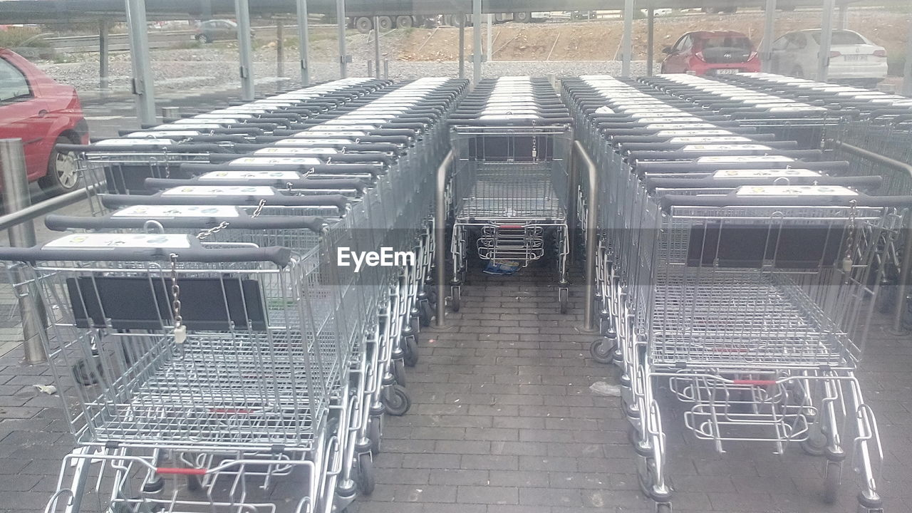 shopping cart, trolley, day, indoors, no people, supermarket