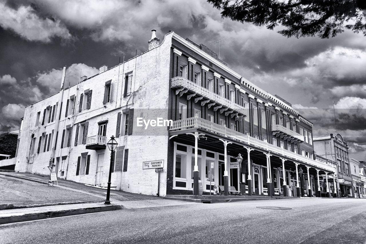 Historic Townhouses Along High Street