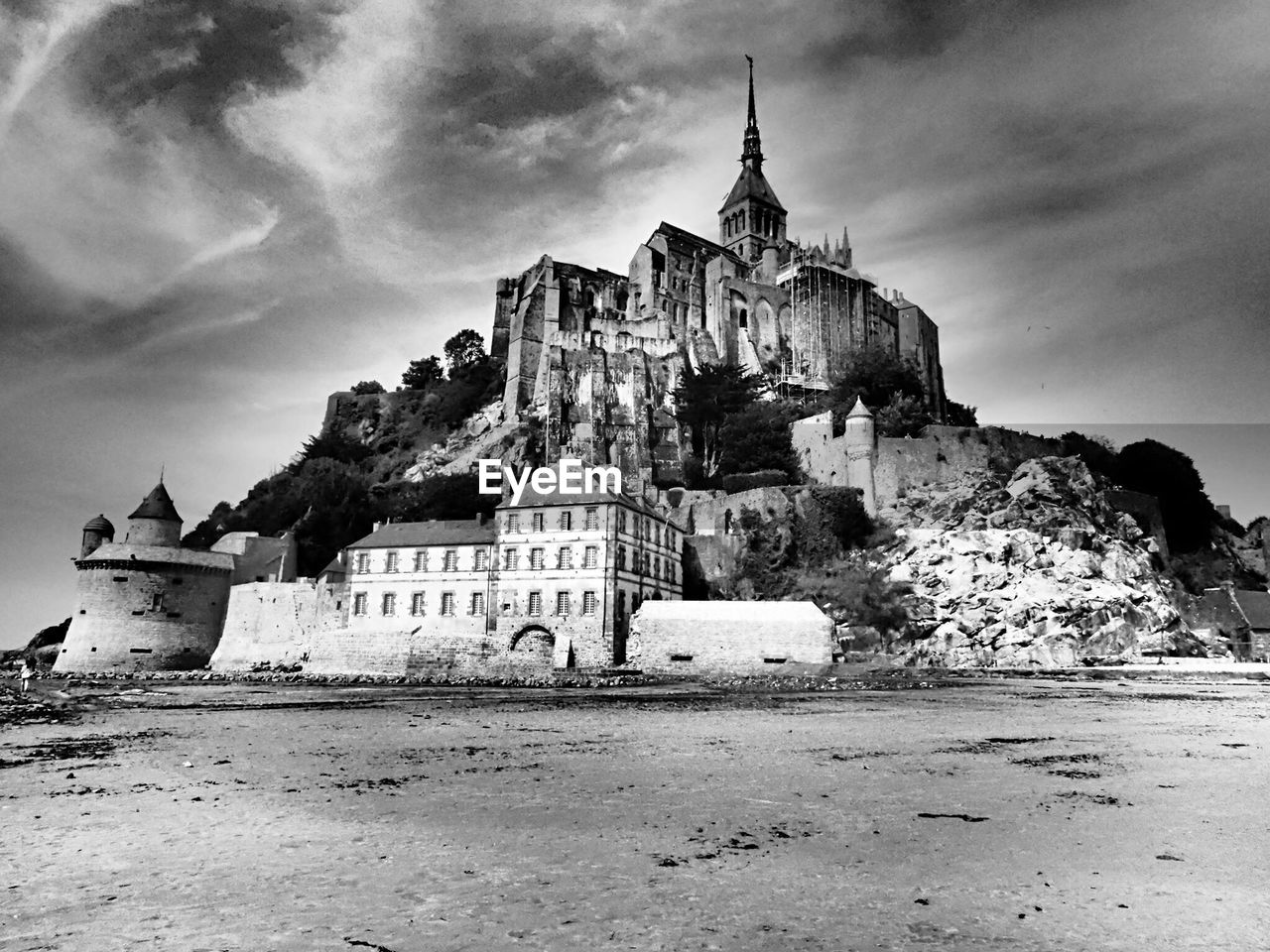 architecture, built structure, sky, building exterior, building, history, the past, cloud - sky, land, place of worship, nature, religion, spirituality, belief, castle, day, travel destinations, no people, beach, outdoors, abbey