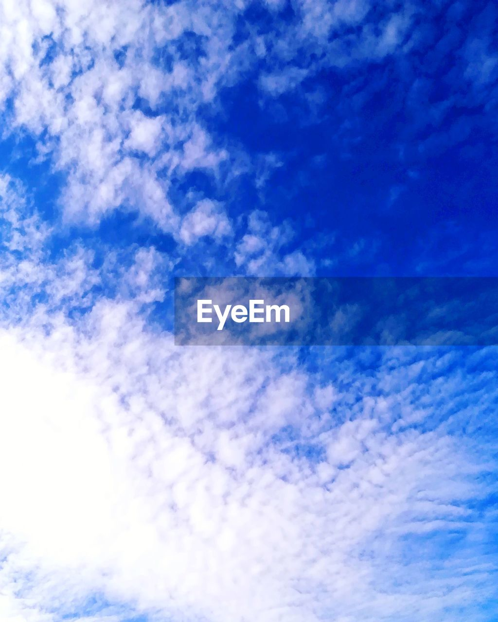 cloud - sky, sky, blue, low angle view, scenics - nature, tranquility, beauty in nature, white color, no people, tranquil scene, nature, backgrounds, day, full frame, outdoors, idyllic, meteorology, cloudscape, wispy