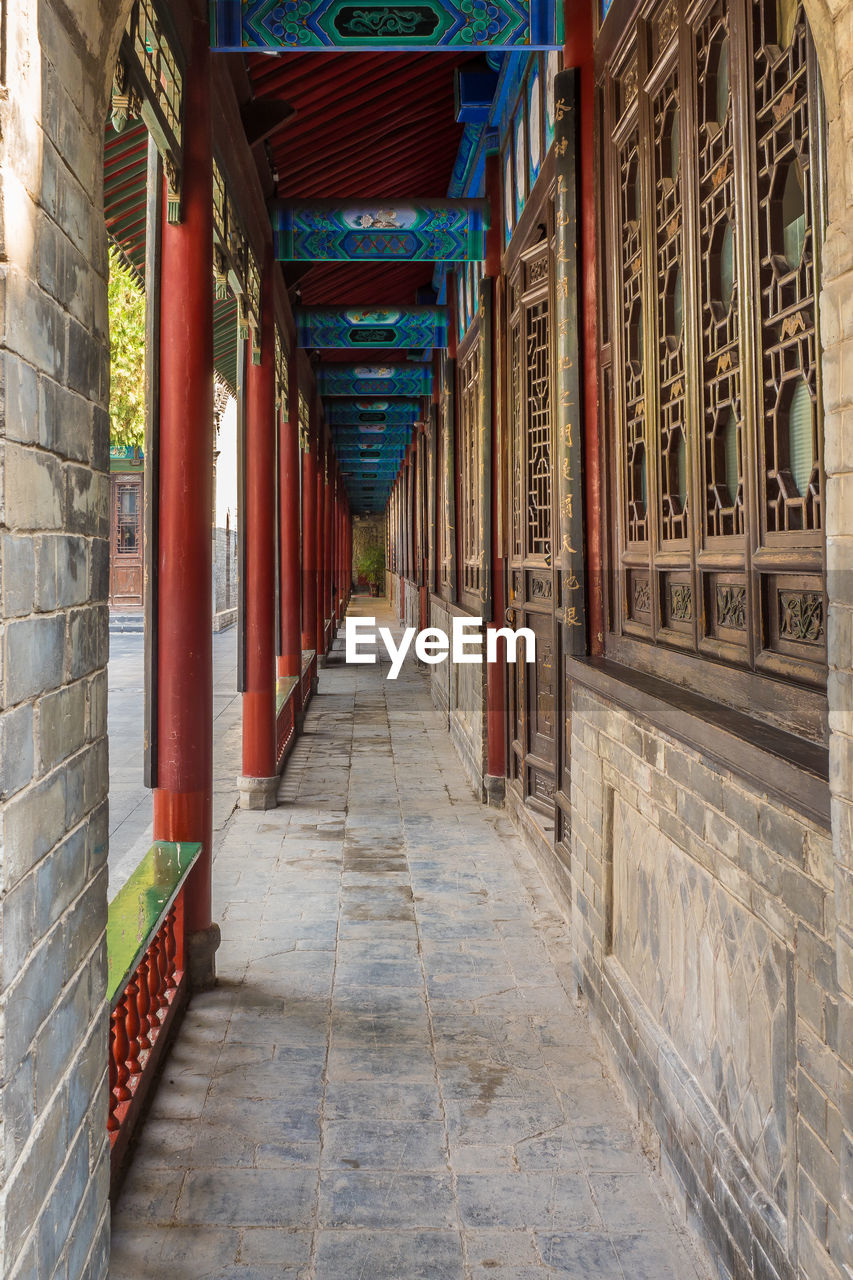 architecture, built structure, direction, building, the way forward, architectural column, arcade, in a row, corridor, no people, day, religion, indoors, place of worship, spirituality, belief, diminishing perspective, colonnade, ceiling